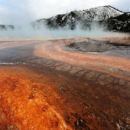 Yellowstone supervolcano has just been hit by more than 400 earthquakes in one week
