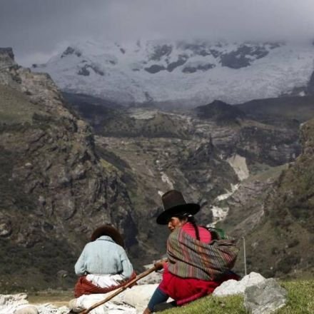 Peru's alpine herders revive ancient technologies to face the future