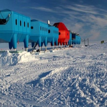 Ice crack to put UK Antarctic base in shut-down