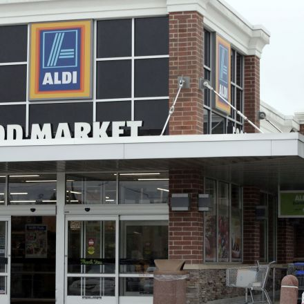 Aldi to open another 900 stores in U.S.