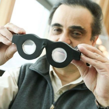 """These """"Smart Glasses"""" Adjust To Your Vision Automatically"""