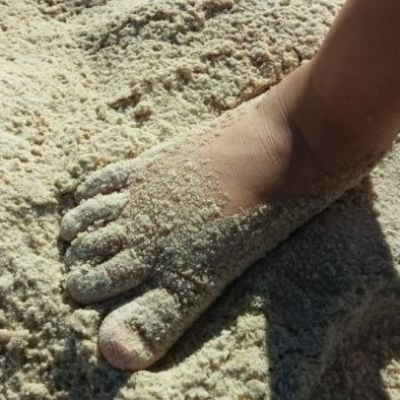 Footprints left in sand dune by Neanderthal family, including toddler