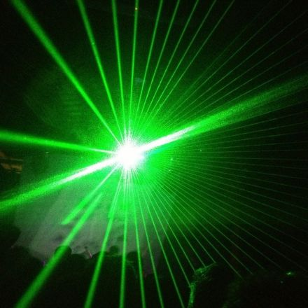 Watch the first ever video of a laser beam moving through thin air