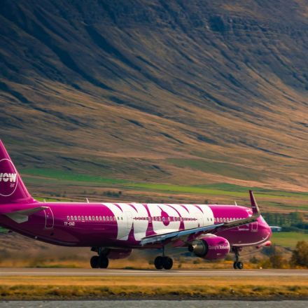 WOW Air collapses, stranding passengers around the world