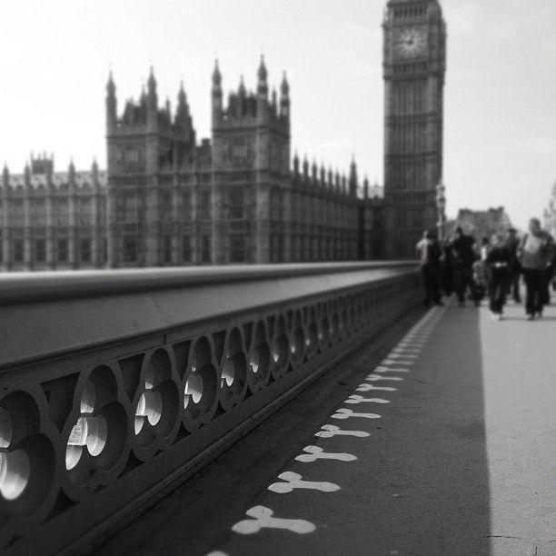 The Shadows Cast By Westminster Bridge Snapzu Com