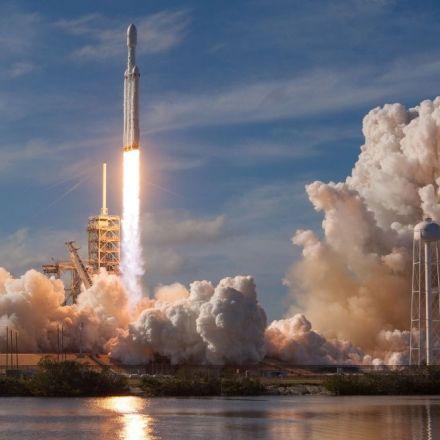 Returning rockets launch a new era in space flight