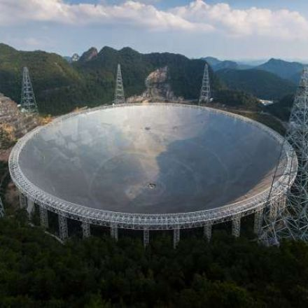 China's Enormous New Alien Hunting Radio Telescope Has Made Its First Discoveries