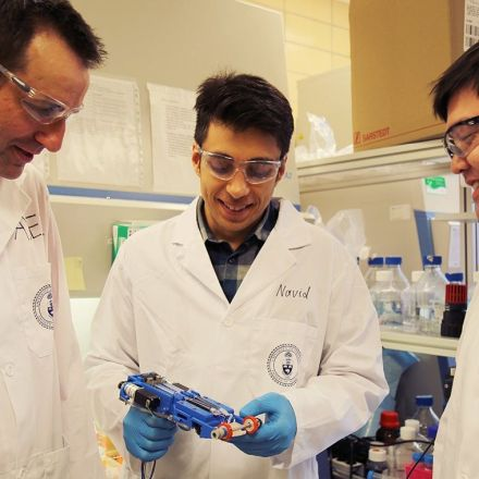 Researchers develop portable 3-D skin printer to repair deep wounds