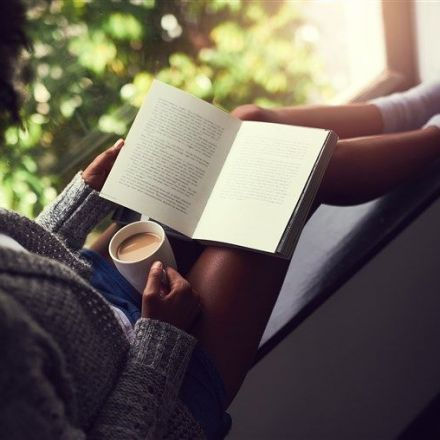 Why 'getting lost' in a good book is the break your brain needs right now