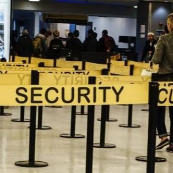 Airport screening made 70,000 miss American Airlines flights this year