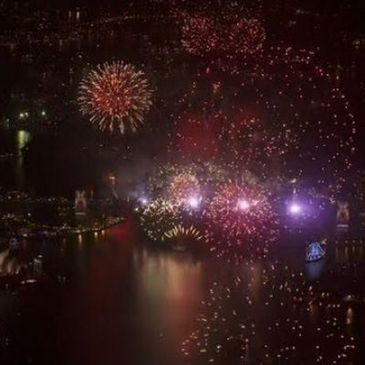 Raw: Sydney Rings in 2016