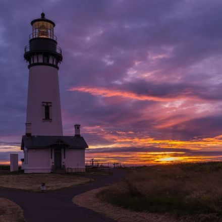 The Tallest Lighthouse in Oregon has a Haunted History