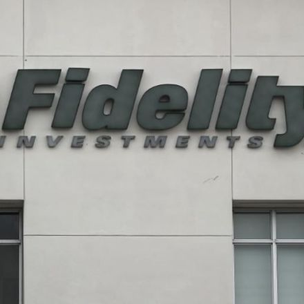 Fidelity May Back Climate Resolutions, a Milestone for Activists