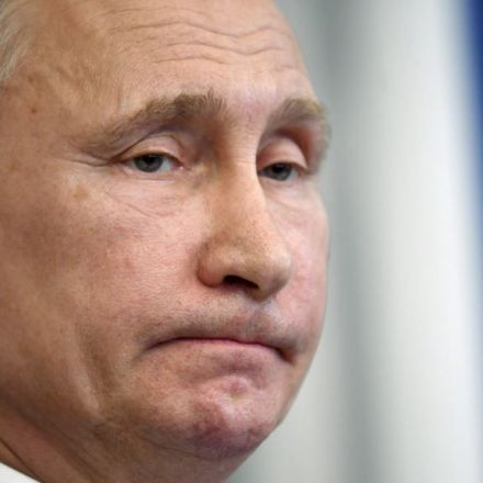 Putin Signs Controversial Law Tightening Internet Restrictions