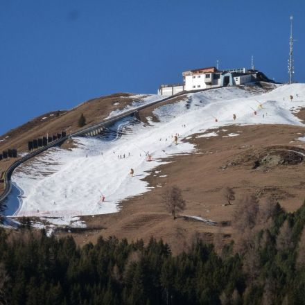 Less snow and a shorter ski season in the Alps