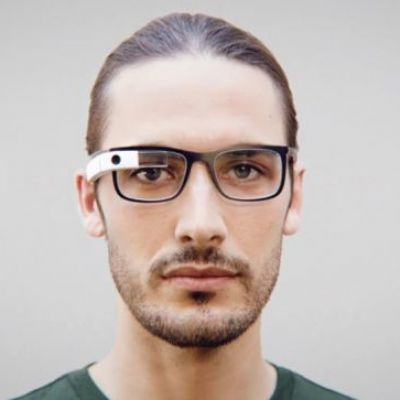 Google Glass is apparently back from the dead, starts getting software updates