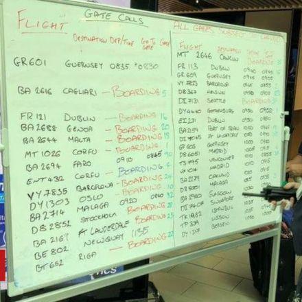 Gatwick flight information screens fail