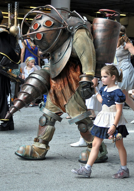 Bioshock Big Daddy And Little Sister Cosplay Snapzu Com