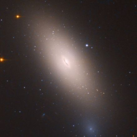 "Hubble Just Found a ""Relic Galaxy"" and It's Absolutely Stunning"
