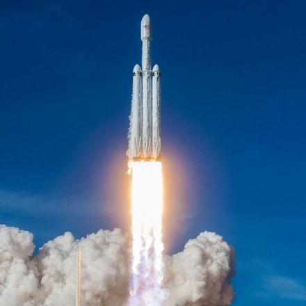 SpaceX's Falcon Heavy rocket seems to be a hit with satellite companies