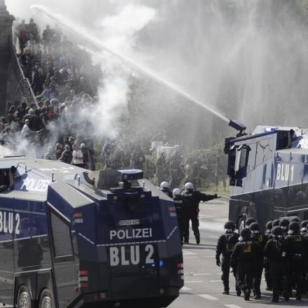 First day of G20 summit in Hamburg marked by violent protests, vandalism