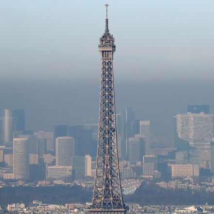 Paris makes all public transport free in battle against 'worst air pollution for 10 years'