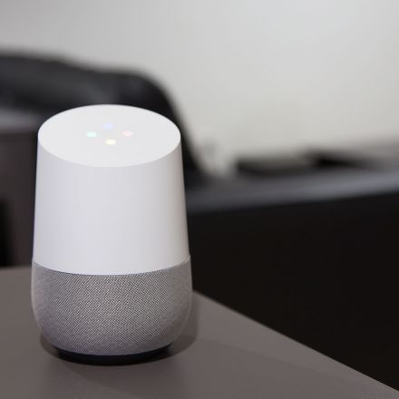 Google Home gets free phone calls in the US and Canada