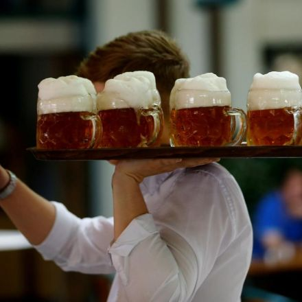 Drinks industry distorts alcohol cancer risk - scientists