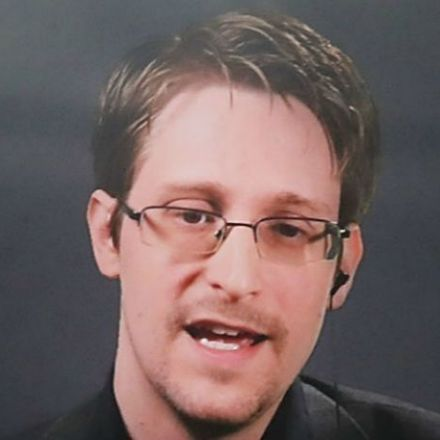 Law enforcement cracking open iOS devices is 'threatening the core of an iPhone's value,' Snowden argues