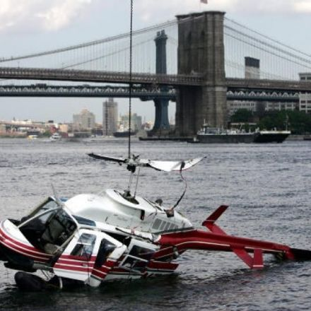 Helicopter crashes into the East river off Manhattan