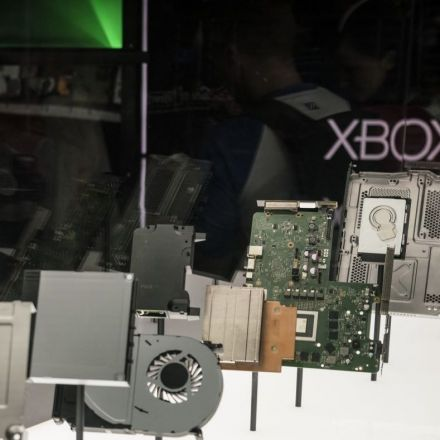 Can you build a $500 PC that beats the Xbox One X?