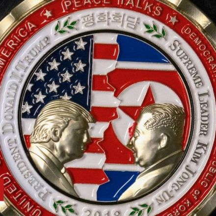 Rush to buy Trump-Kim summit coin