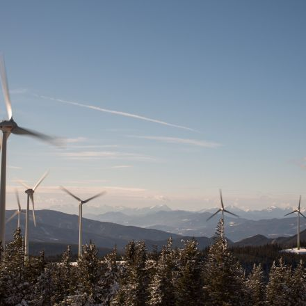 World Reaches 1,000GW of Wind and Solar, Keeps Going