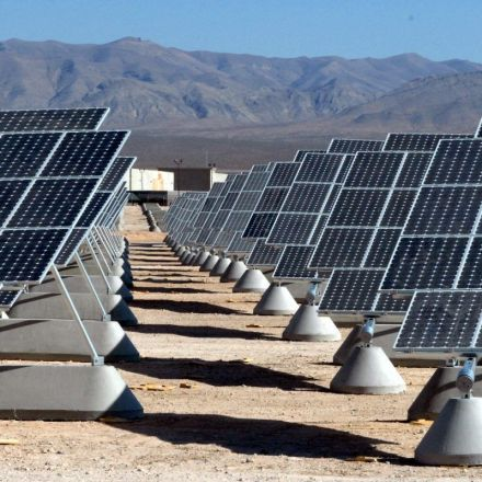 US notifies world of possible 'safeguard' tariffs on imported solar cells, effective last week