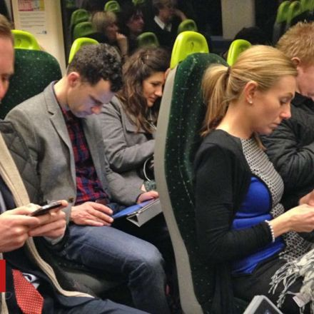 Emails on commute 'should count as work'